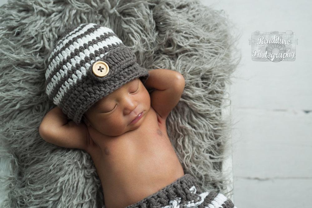 Saskatoon-Newborn-Family-Renditure-Baby-Photography-Photographer-Maternity-Pregnancy-Saskatchewan-393 FBR.jpg