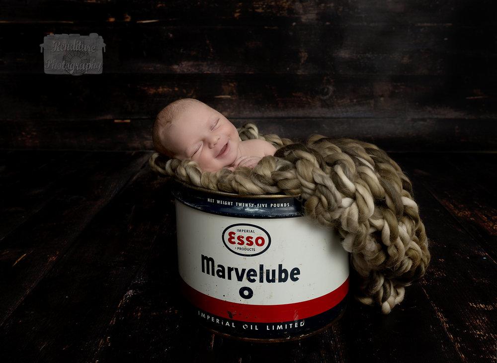 Saskatoon-Newborn-Family-Renditure-Mini-Session-Photography-Photographer-Christmas-Holiday-Saskatchewan-472 FBR.jpg