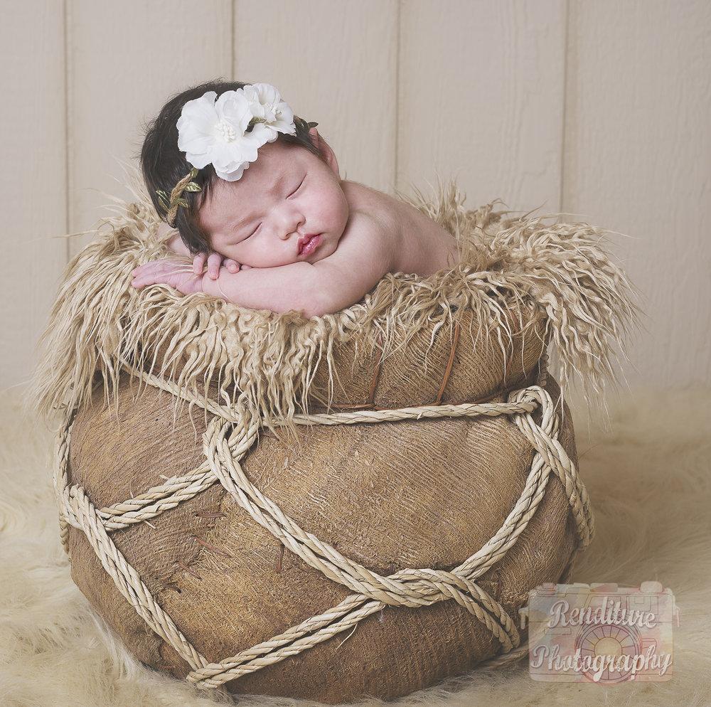 Saskatoon-Newborn-Family-Renditure-Baby-Photography-Photographer-Maternity-Pregnancy-Saskatchewan-197mFBR.jpg
