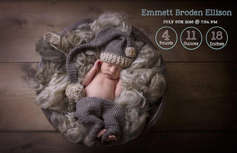Saskatoon-Newborn-Family-Renditure-Baby-Photography-Photographer-Maternity-Pregnancy-Saskatchewan-263 FBR.jpg
