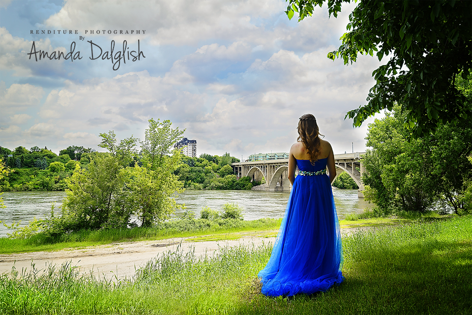 Graduate-Grad-Photo-Saskatoon-Renditure-Photographer-Highschool-Senior-Photography-3.jpg