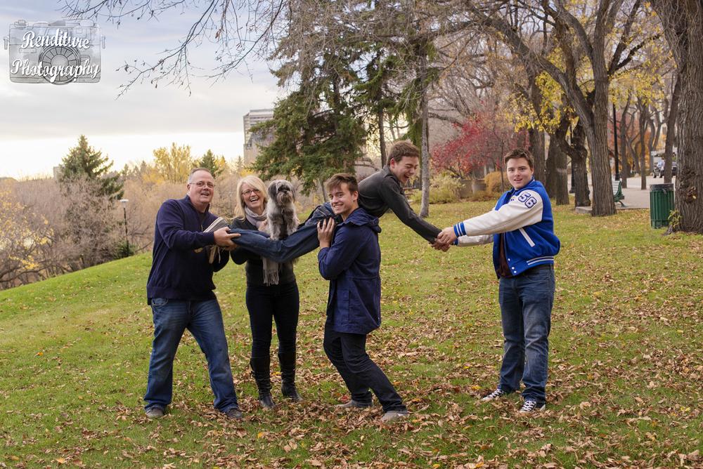 Saskatoon-Newborn-Family-Renditure-Baby-Photography-Photographer-Maternity-Pregnancy-Saskatchewan-121mFBR.png