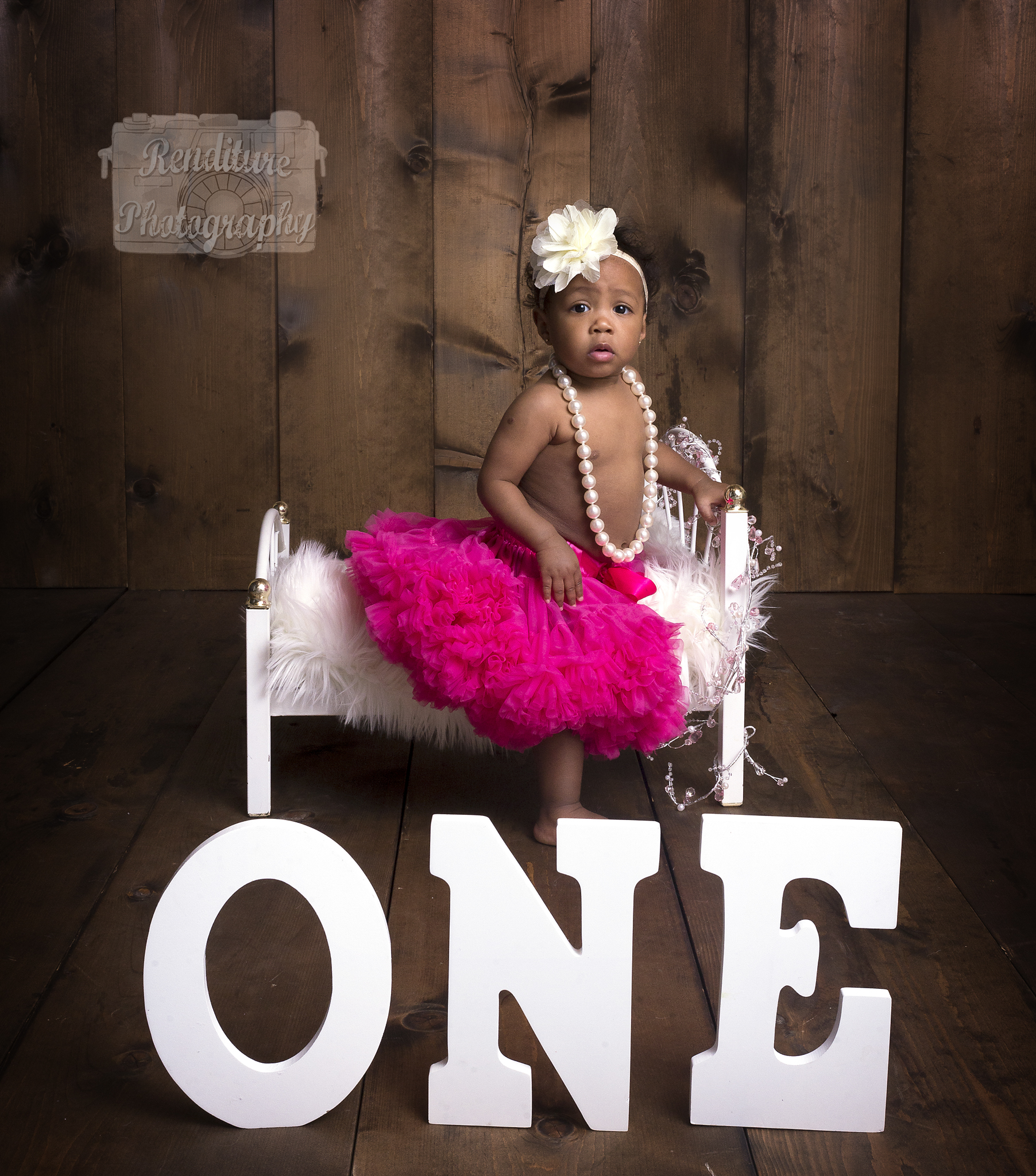 Saskatoon,Cake Smash,1 year,Birthday,Photographer,Baby,Photography,Photographer,Maternity,Pregnancy,Family, Renditure,Child,Infant,Tot,Kid,Photos,Saskatchewan,YXE,SK,Birthday Photographer,Saskatoon Photographer