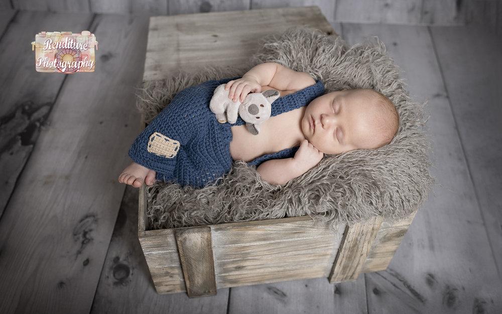 Saskatoon-Newborn-Baby-Renditure-Photography-Photographer-Maternity-Pregnancy-Saskatchewan-Baby-629FBR.jpg