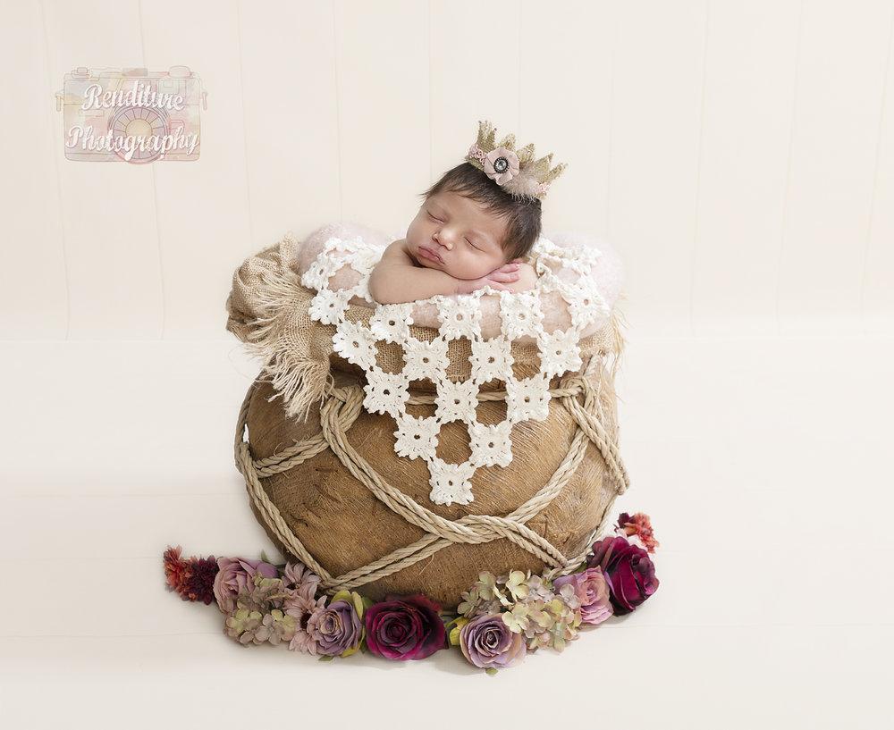 Saskatoon-Newborn-Baby-Renditure-Photography-Photographer-Maternity-Pregnancy-Saskatchewan-Baby-632FBR.jpg
