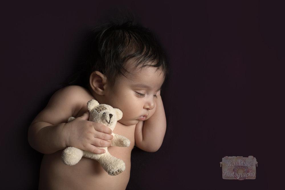 Saskatoon-Newborn-Family-Renditure-Photography-Photographer-Maternity-Pregnancy-Saskatchewan-Baby-622FBR.jpg