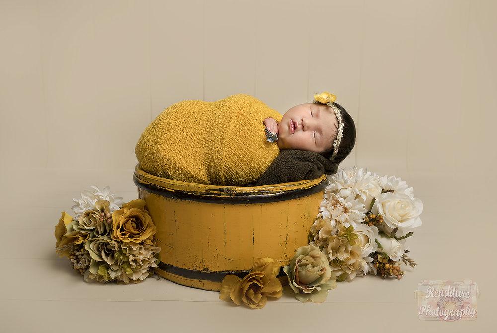 Saskatoon-Newborn-Family-Renditure-Photography-Photographer-Maternity-Pregnancy-Saskatchewan-Baby-623FBR.jpg
