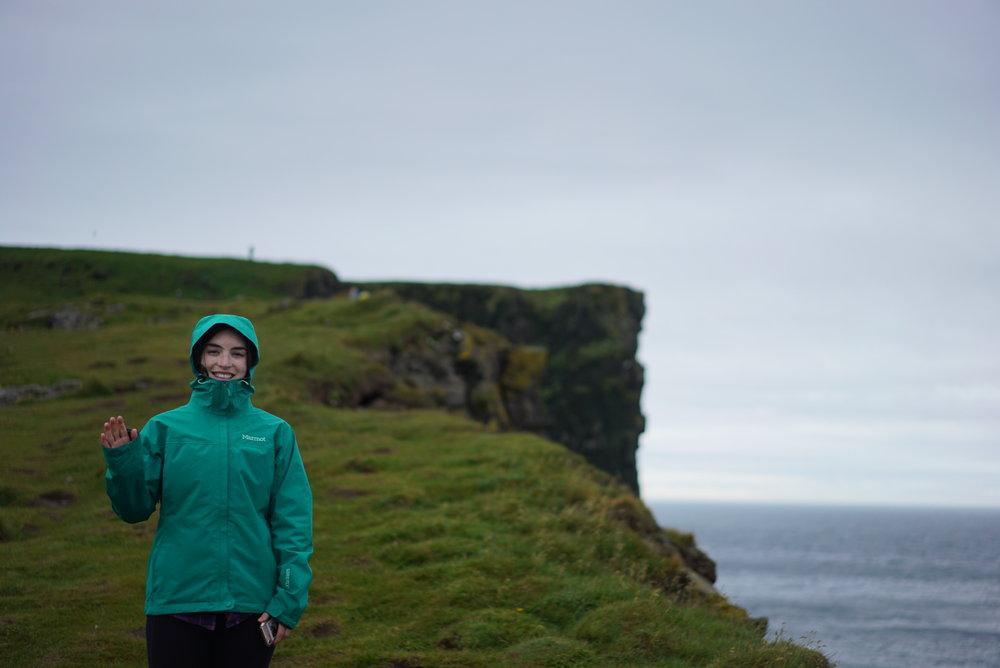 me-puffin-cliffs.JPG