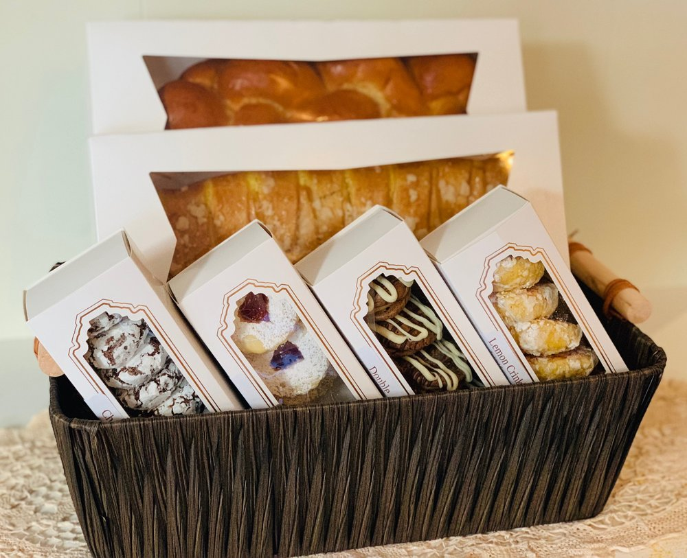 Gifts & Baskets - For all of your gift giving needs.