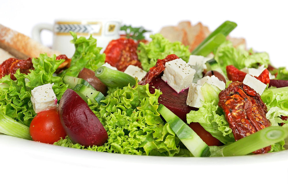 1200px-Salad_platter02.jpg