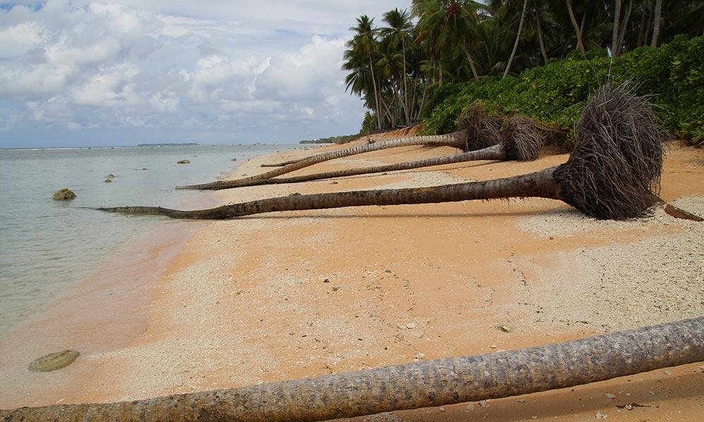 Increasing intense tropical storms are impacting Tuvalu's shoreline. Photo: Jone Feresi/UNDP