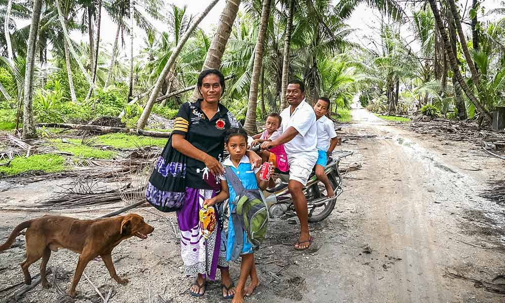 Lucy Solomon has problems finding healthy food for her three children after Cyclone Pam destroyed home gardens and crops. Photo: Silke von Brockhausen/UNDP