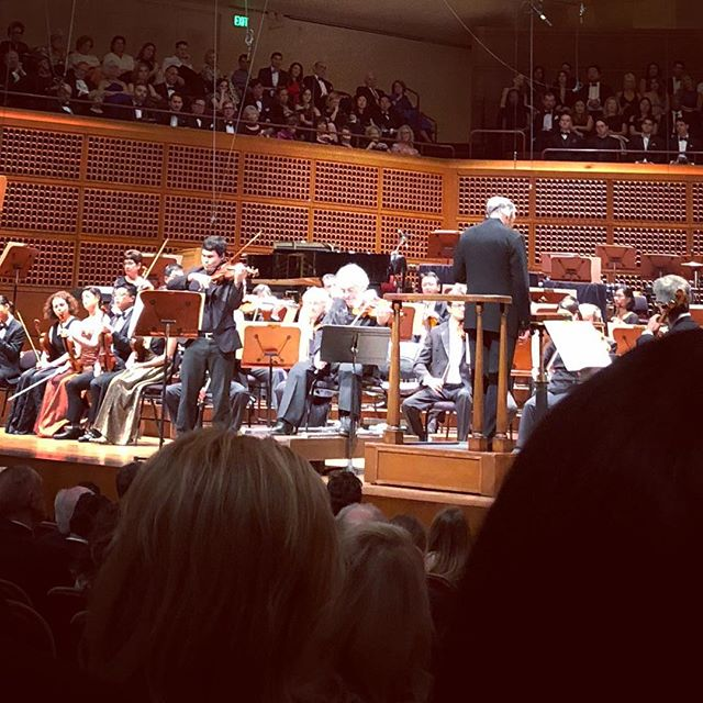 A dream-to play with Itzhak Perlman in the Bach Double and make music with childhood friends too. There's nothing quite like playing with people you grew up with. I am very grateful to my friends for the conversations, memories and sounds this last week. The San Francisco Symphony sounded fantastic directed by Maestro Michael Tilson Thomas.  @violininkristin @michelleross__ @d00ri_ @itzhakperlmanofficial @seanleeviolin @hannahtarleymusic