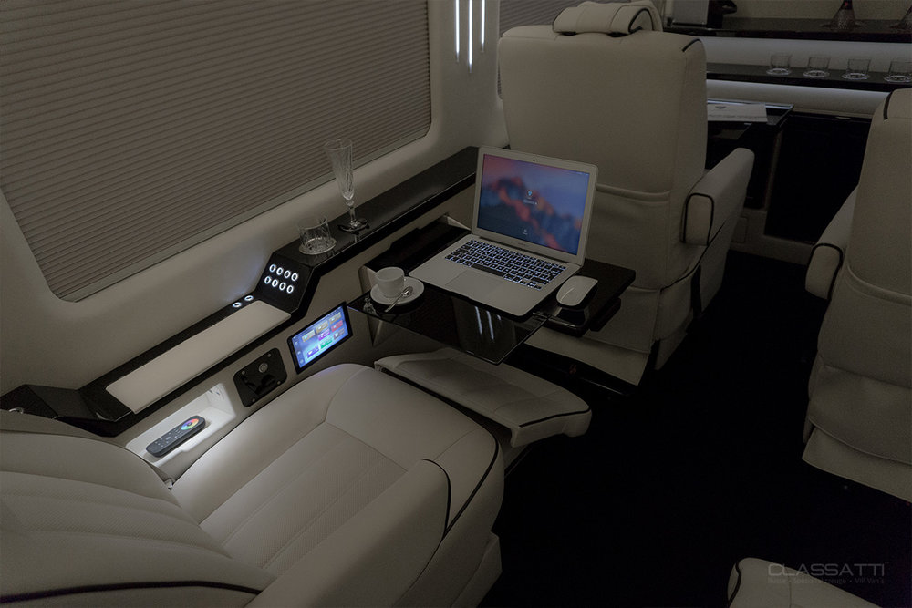 CLASSATTI_Mercedes_Sprinter_Diplomat_Mobile_office.jpg