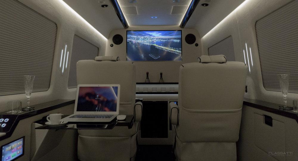 Classatti_Mercedes_Sprinter_Diplomat_safe (2).jpg