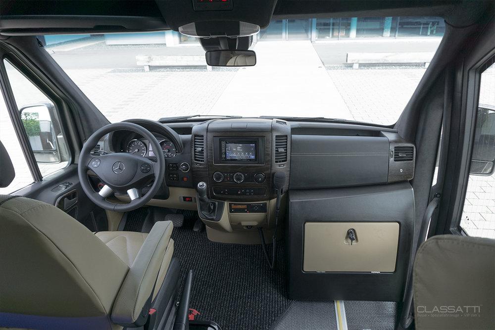 Classatti_Mercedes_Sprinter_Tourer_Avantgarde_safe_9.jpg