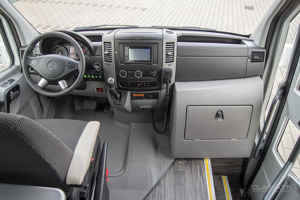 Classatti_Mercedes_Sprinter_Comfort_safe_6.jpg