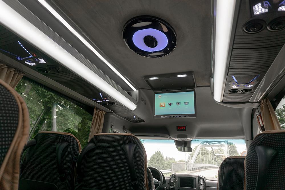 Mercedes_Sprinter_Classatti_Tourer (07).jpg