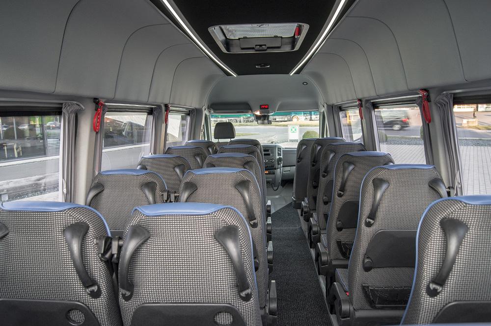 Classatti_Mercedes_Sprinter_Schulbus (1).jpg