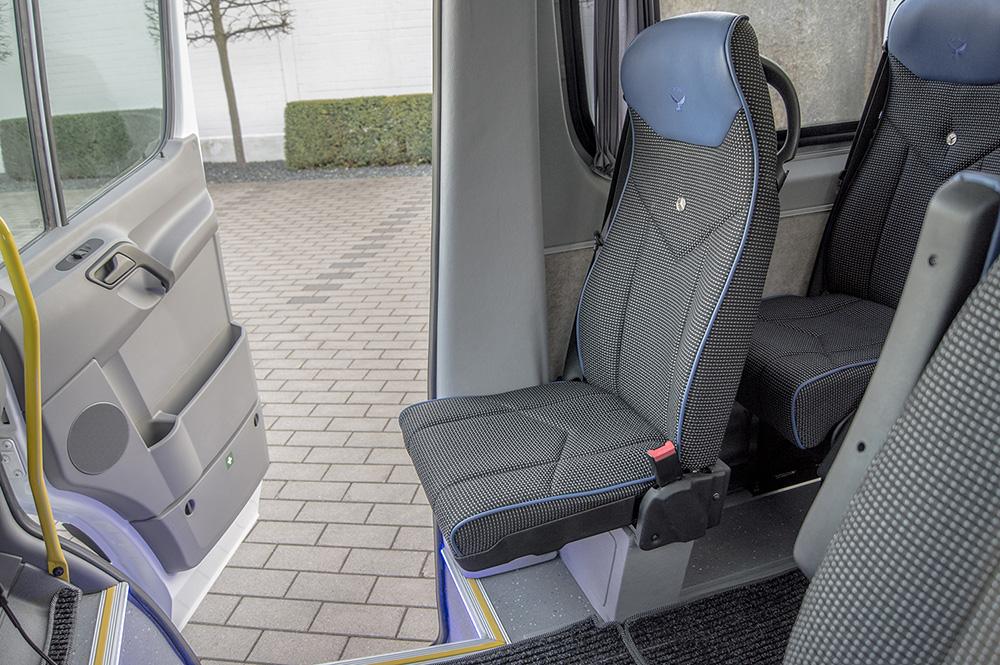 Classatti_Mercedes_Sprinter_Schulbus (3).jpg