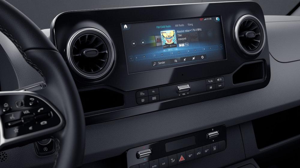 MBUX Multimediasystem mit 10,25 Zoll Touchscreen