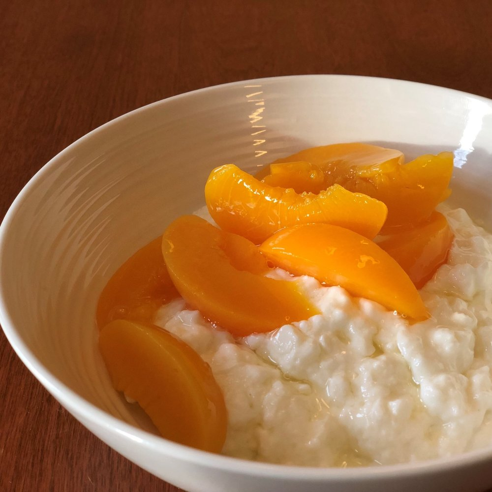Cottage Cheese and Peaches   Calories: 180 kcal  Fat: 2.5g  Carbs: 23g  Fibre: 2g  Protein: 15g