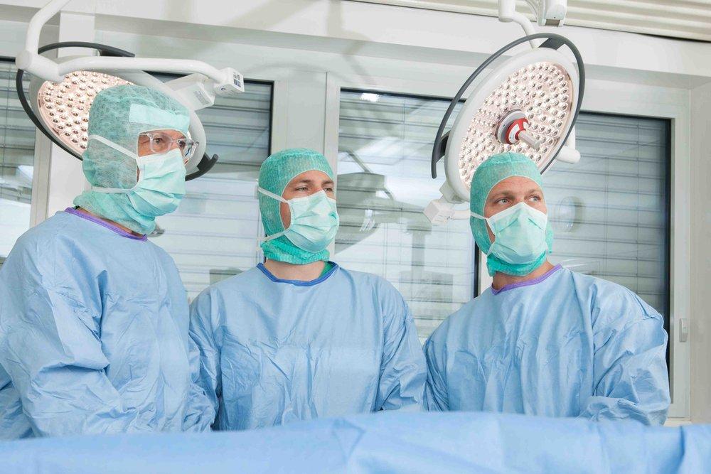 Dr. med. Stephan Plaschy, Dr. med. Matthias Schmied und Dr. med. Philipp Frey