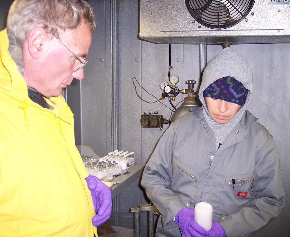 Samantha Joye and Vladimir Samarkin working in the 4ºC cold room