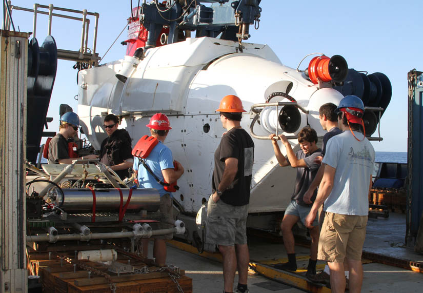 ALVIN group discussing options before the first Orca Basin dive