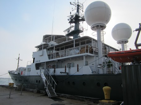 RV Falkor. Image courtesy of Schmidt Ocean Institute.