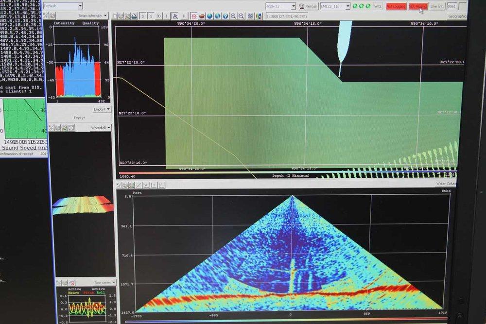 6-LAB_MBES_GC600_Megaplume.jpg