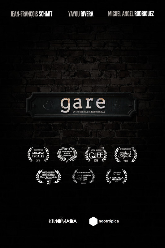 gare - In order to save time, two passengers share a cab to the train station, without knowing their driver has another plan for them.