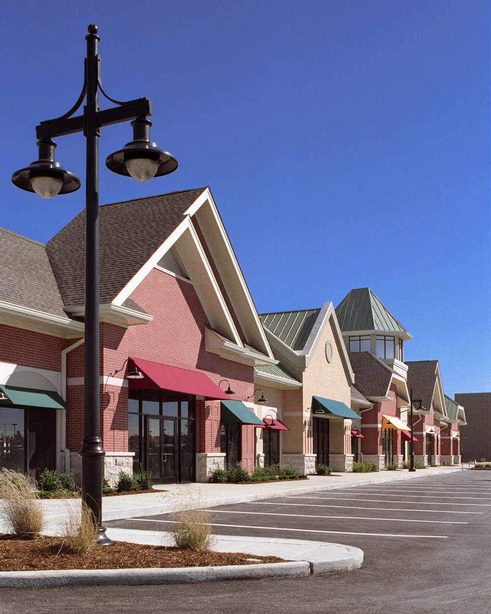 Lakeside Shoppes at Winghaven.jpg