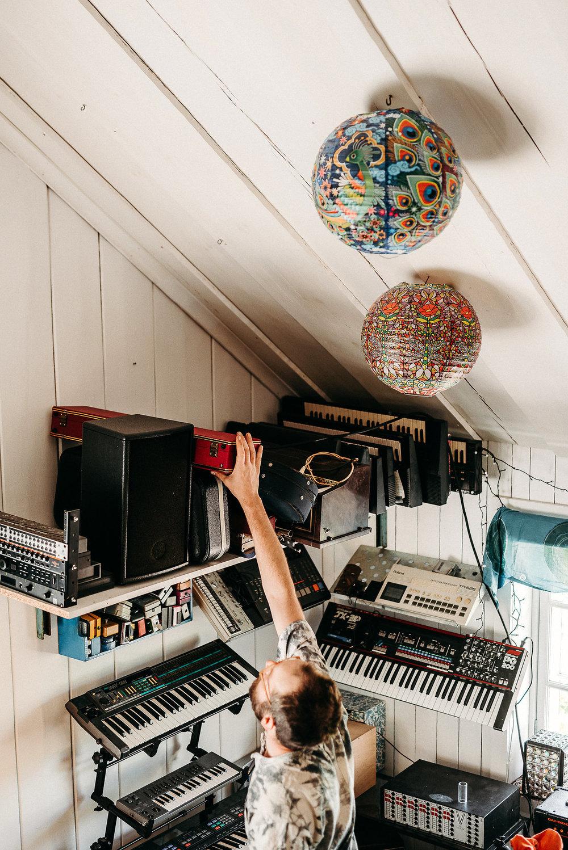 studio viktor synthar.jpg