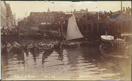 448px-Washington_edu_Waterfront_w_moored_Indian_canoes_Seattle_c_1892_NA897.jpg