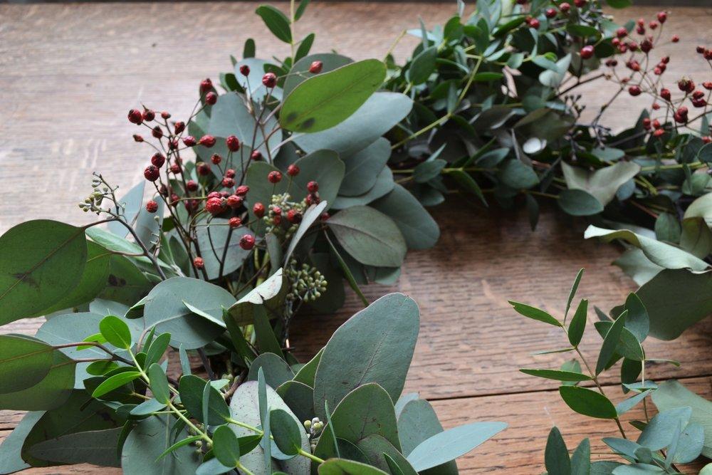 How-to-make-an-autumn-wreath-webb-and-farrer-brighton-flower-workshop (6).JPG