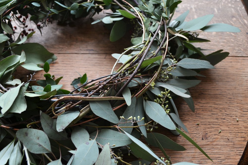How-to-make-an-autumn-wreath-webb-and-farrer-brighton-flower-workshop (7).JPG