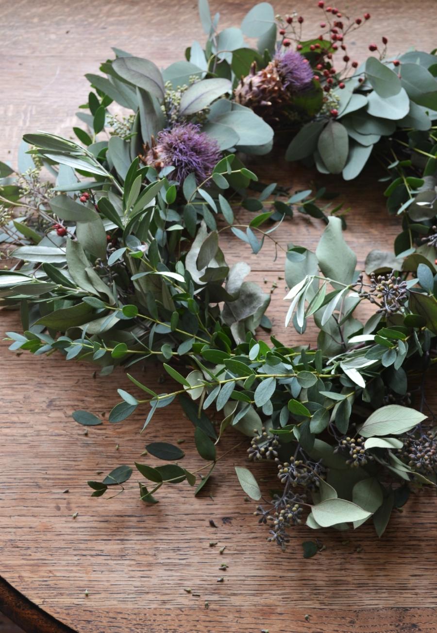 How-to-make-an-autumn-wreath-webb-and-farrer-brighton-flower-workshop (8).JPG