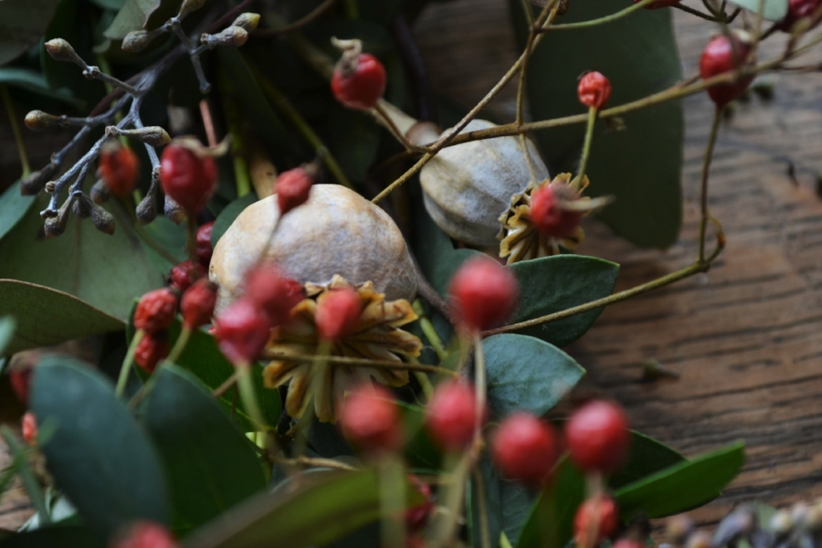 How-to-make-an-autumn-wreath-webb-and-farrer-brighton-flower-workshop (12).JPG