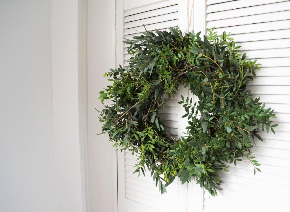 Webb-and-Farrer-Brighton-Florist-Sussex-Wedding-Flowers-How-to-make-a-foliage-wreath-DIY-tutorial (4).JPG