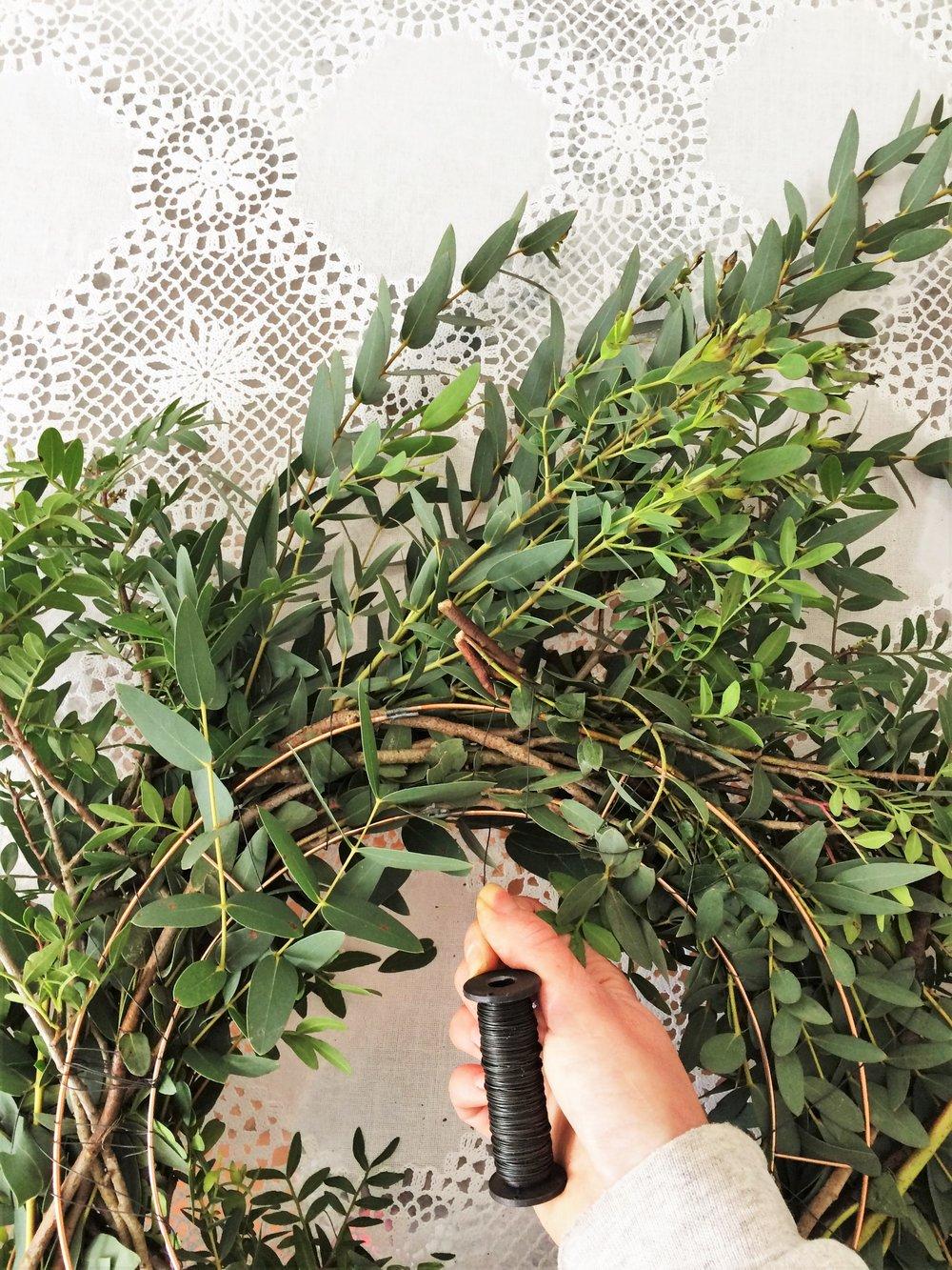 Webb-and-Farrer-Brighton-Florist-Sussex-Wedding-Flowers-How-to-make-a-foliage-wreath-DIY-tutorial (9).JPG
