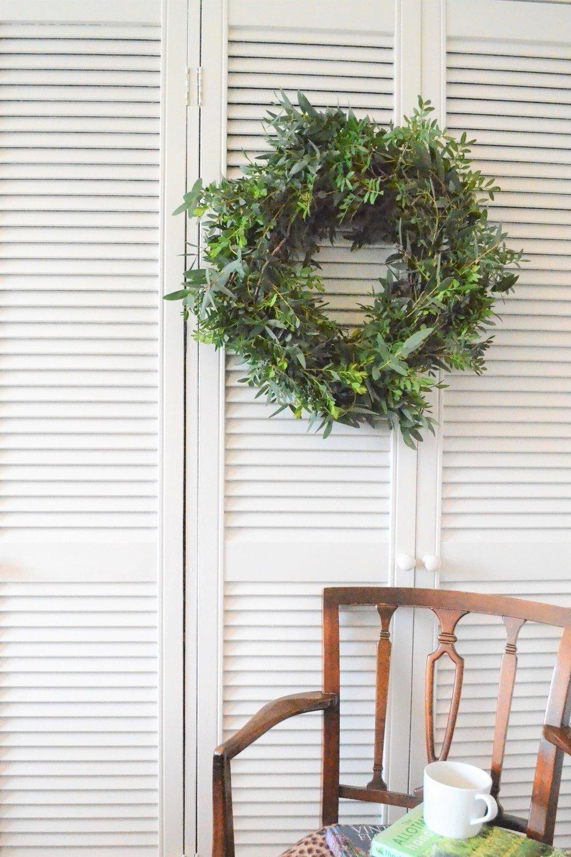 Webb-and-Farrer-Brighton-Florist-Sussex-Wedding-Flowers-How-to-make-a-foliage-wreath-DIY-tutorial (2).JPG