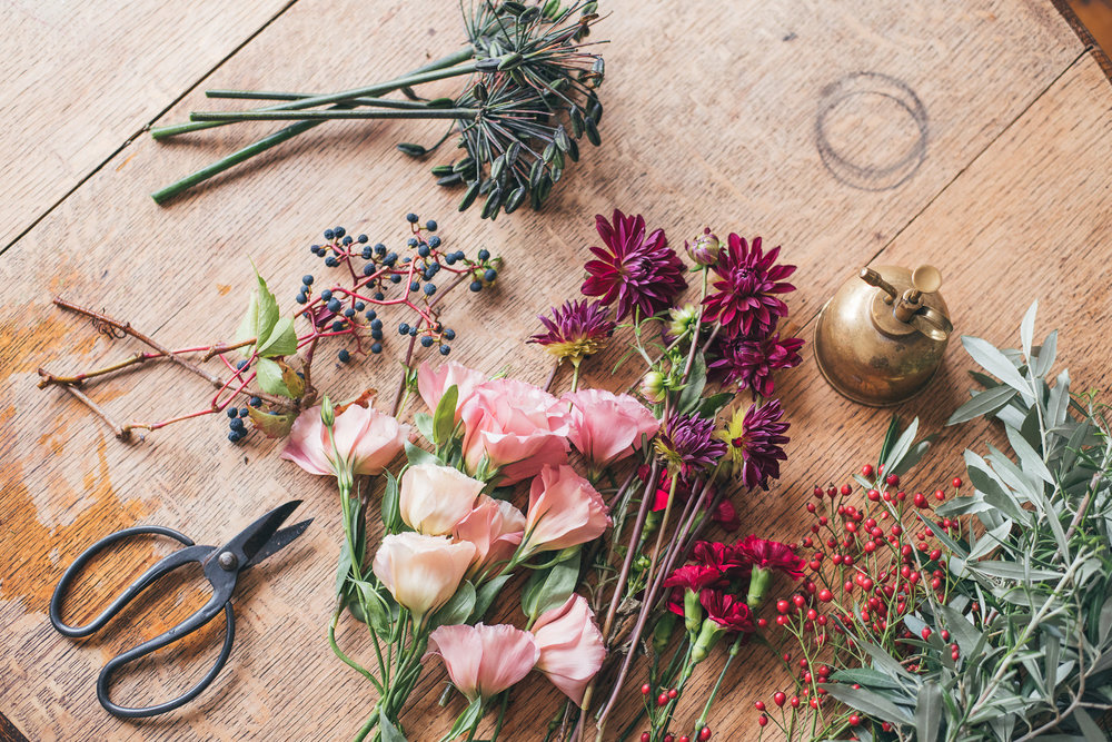 For more flower tips - Click here to learn how to make your cut flowers last.