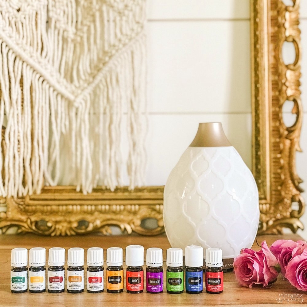 premium starter kit - I recommend starting with the Premium Starter Kit, which includes 11 5-ml essential oils, a diffuser of your choice, plus some fun samples. Also enjoy access to a lovely community ready to share personal experiences with oils, as well as tons of resources and information.