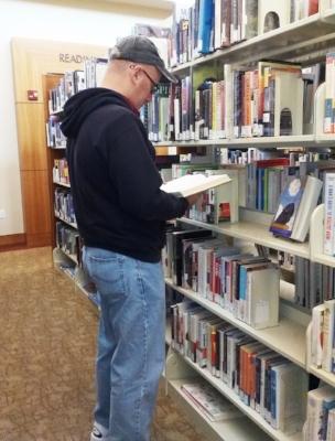 folsom-library-malereader1-cindyfazzipic.jpg