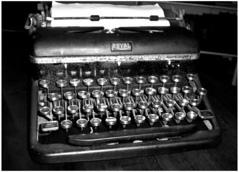 typewriter1.png