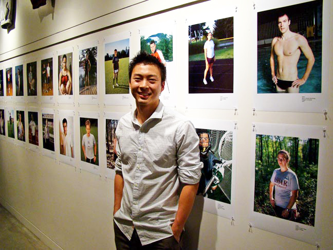 Jeff_Sheng_with_his_Fearless_project_at_Drew_School_in_2009.jpg