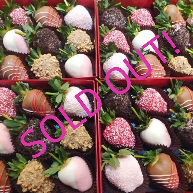 We are no longer taking orders for Valentine's day as we have sold out of both strawberries and arrangements! Thank you so much Cleveland! Can't wait to get out all these orders!