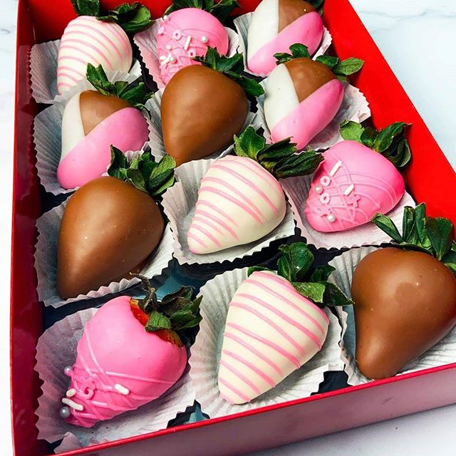 Send your SWEETIE something SWEET! See our Valentine's specials at our website www.roseculinaire.com or link in bio to order for your loved ones!❤💕 . . Each dozen is only $39.99 and includes delivery! Local Cleveland area only please. . . Hurry! Place orders by Feb 4th to ensure delivery for the busy holiday and check back for more soon! These will go fast!. . . Also, if you already have a catering order with @caterology you can add a dozen of these to your order! . . #valentines #chocolatecoveredstrawberries #love #cleveland #chocolatestrawberries #valentine #sweet #sweetie #prettyinpink #besweet #assorted #freshfruit #strawberries #chocolate #valentinesday #cle #specials