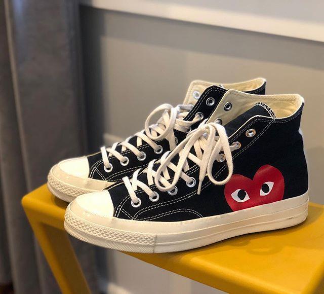 Always watchin. •• #commesdesgarcons #converse #converse1970 #chucktaylors #chucktaylor #kicksonfire #sneakerhead #kotd #cdgconverse #cdgplay #commesdesgarçons #commesdesgarconsplay #hypebeastkicks